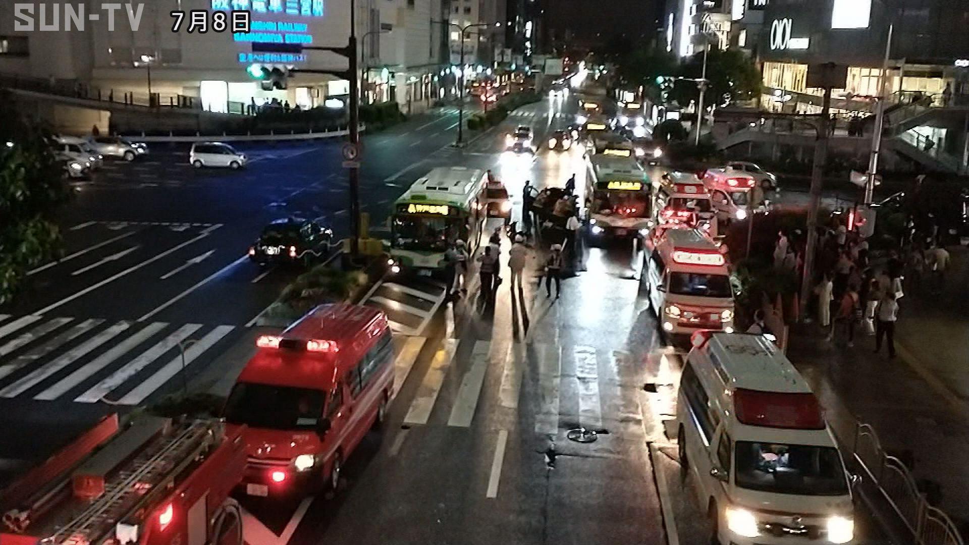 神戸三宮の交差点で市営バスと乗用車が衝突 乗客ら男女4人が重軽傷 ...